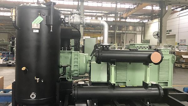空压机系统服务商浅谈螺杆空压机的工作原理