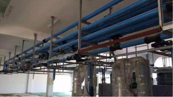 螺杆空压机管道选什么材质的?